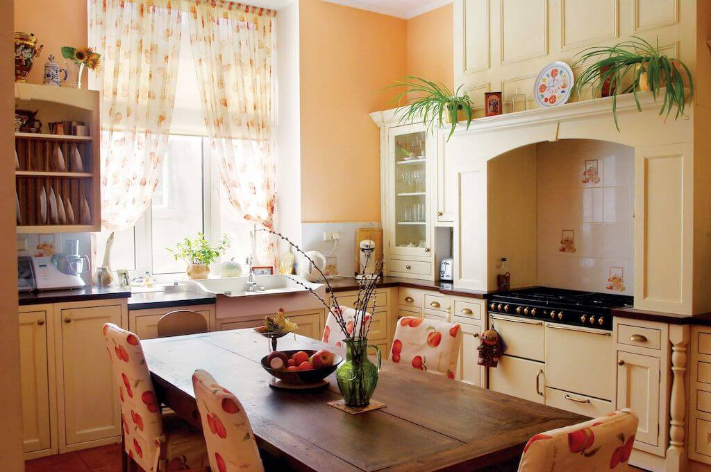 Beautiful Provence Style Kitchen Trends 2021 3
