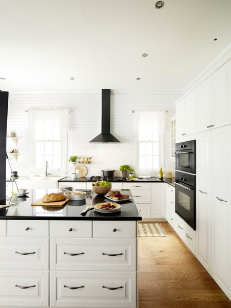 White kitchen black countertop trends 2021 12